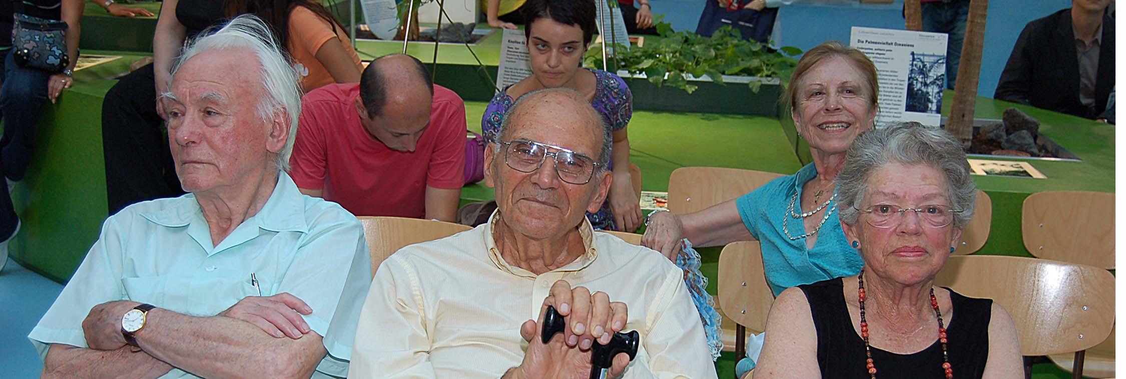 Harry Triandis (center) 1926-2019